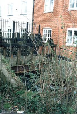 Sluice gates, Dean's Mill, Canterbury