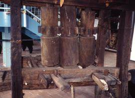 """3 - Maison de la Canne All wood 3 roll vert mill: Face Trois Ilets Martinique"""
