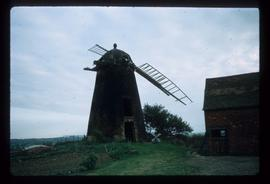 Tower mill, Napton on the Hill, derelict, with cap and two sails