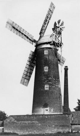 Hadingham's Mill, Beccles, with chimney