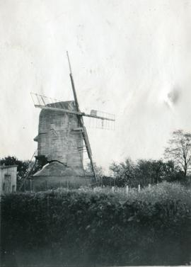 Post mill, Broxted, with broken sails