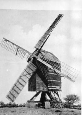Post mill, Stokenchurch, in working order