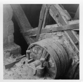 Hold Coldron, a wheel's detail