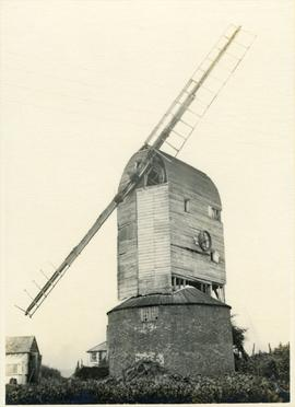 Ashburnham Post Mill, Ninfield, with two broken sweeps