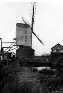 Post mill, Darsham, fantail gone