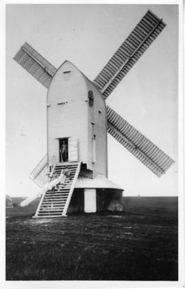 Post mill in working order