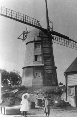 Sail and fantail damage, Cobstone Mill, Ibstone