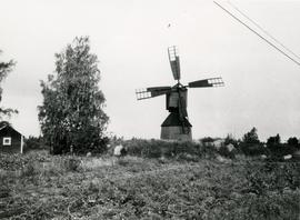 Magpie mill and field in Sulva, South Bothnia