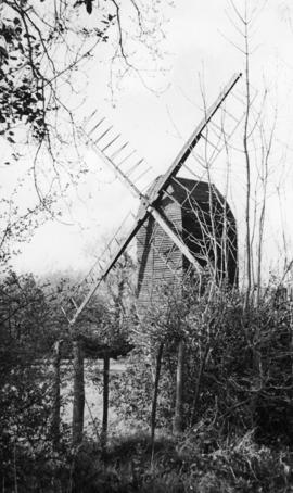 Post mill, Nutley, restored