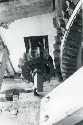 Great Spur Wheel and Stone Nut, smock mill, Ashley