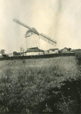 Post mill, Tottenhill, with two sails