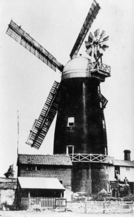 Tower mill, Buxhall, with sails and fantail