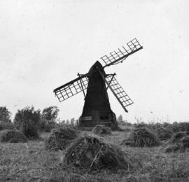Norman's Mill, Wicken Fen, in a disused and derelict condition