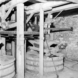 Tuns separated by upright shaft and crown wheel, Winterbourne Steepleton Mill, Winterbourne Steepleton