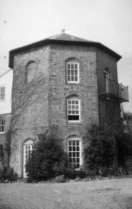 Roundhouse converted to house, Highfield Mill, Sudbury