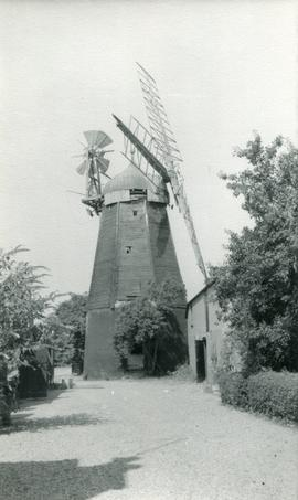 View from road, Ingle's Mill, Willingham