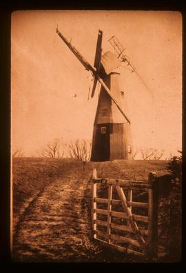 Four Throws Mill, Hawkhurst, with cap and sails (damaged) leaning forward after tailwinding