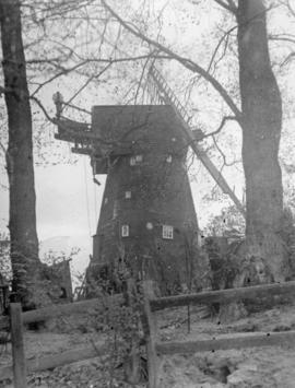 Trumpet's Hill Mill, Reigate, in a ruinous condition