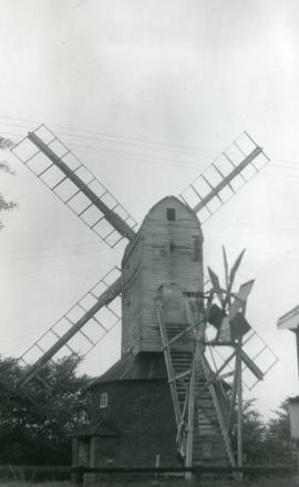 Post mill, Pettaugh, with fantail