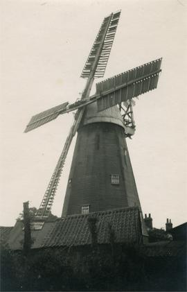 Smock mill, Terling, in working order