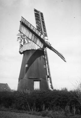 Smock mill, Wicken, in a disused condition