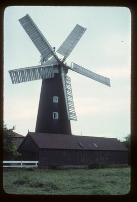 Dobson's Mill, Burgh le Marsh, in working order