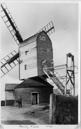Post mill, Darsham, with no fly