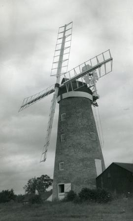 Tower mill, Billingford, in good working order