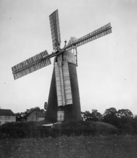 Tower mill, Stretham, in working order