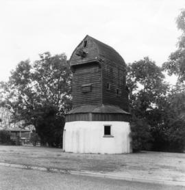 Roundhouse and buck, post mill, Madingley