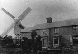 Aldridge's Mill, Huntingfield, with houses