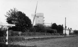 Post mill, Laxfield, derelict