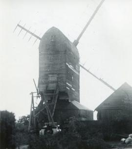 Post mill, Aythorpe Roding, with car