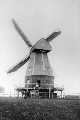 Watts' Cross Mill, Hildenborough, at work