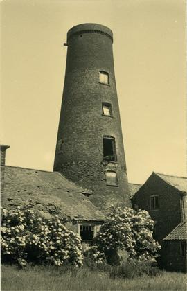 Tower mill, Scopwick, capless