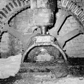 Detail of wheel shaft and upright shaft gudgeons, Grimstone Mill, Stratton