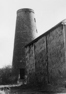 Tower mill, Eakring, derelict