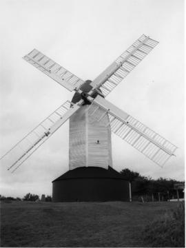 Argos Hill Mill, Mayfield, preserved with sails