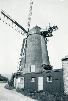 Ovenden's Mill, Polegate, with outbuilding
