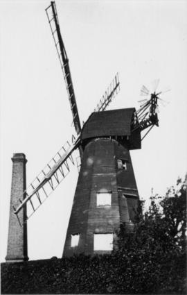 Smock mill, Newington, Ramsgate, with shutters removed from sweeps