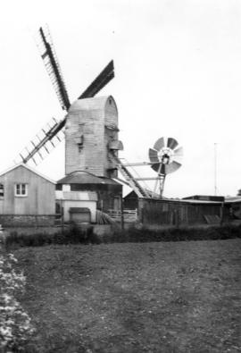 Skinner's Mill, Stradbroke, showing shutters