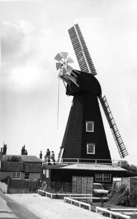 Drapers Mill, Margate, restored with two sweeps
