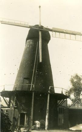 Tower mill, Stanford, with new midling fitted
