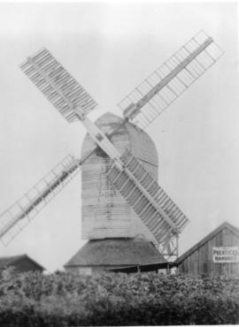 Post mill, Haughley, in working order