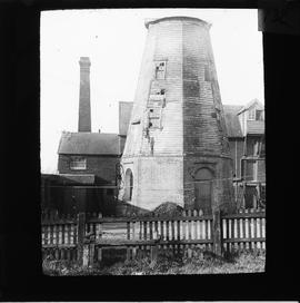 Frost's Mill, Halstead, Essex, with its cap removed