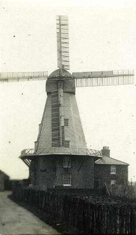 Smock mill, Willesborough