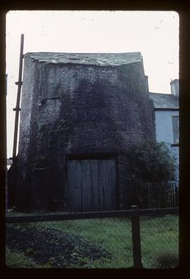 Roofed-over stump of tower mill