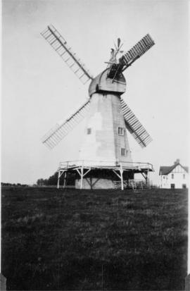White Mill, Headcorn, with house on right