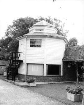 Octagonal building converted to play-room, Clock House Horse Wheel, Downe