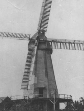 White Mill, Bethersden, showing man standing on the reef